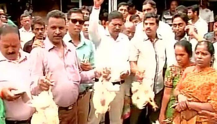 मीट बैन पर गरमाई सियासत; महाराष्ट्र से उठी आग कई राज्यों में पहुंची, बम्बई हाईकोर्ट ने कहा-रोक व्यवहारिक नहीं