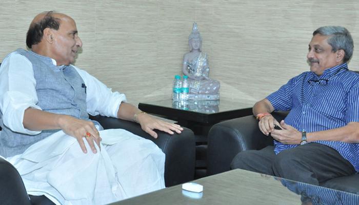लद्दाख सीमा तनाव : रक्षा मंत्री पर्रिकर ने राजनाथ से मुलाकात की
