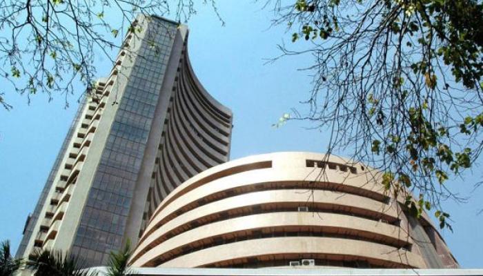 सेंसेक्स में गिरावट से निवेशकों को एक लाख करोड़ रुपये का नुकसान