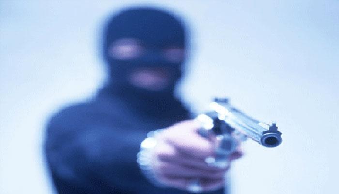 रुड़की में कारोबारी के घर हथियारों के बल लाखों की डकैती