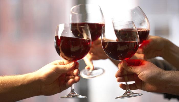 शराब छोड़ना चाहते हैं, तो स्मोकिंग से कीजिए तौबा