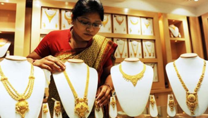 वैश्विक संकेतों और लिवाली बढ़ने से महंगा हुआ सोना-चांदी