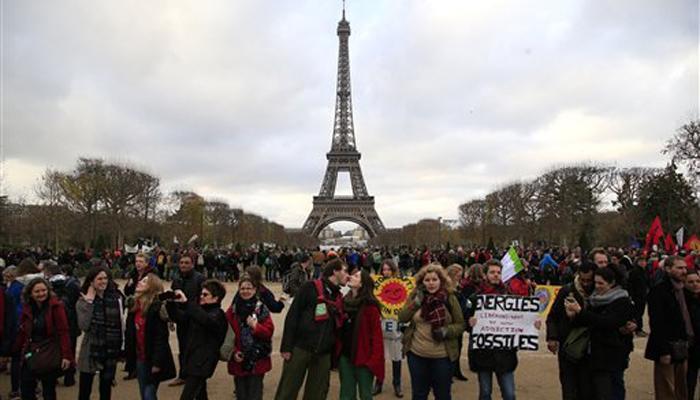 जलवायु परिवर्तन समझौते पर मुहर, वैश्विक तापमान 2°C से नीचे रखने का लक्ष्य