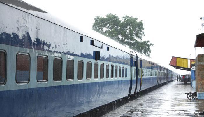 अब भूरे, गाढ़े नीले और पीले रंगों में रंगी दिखेंगी सेमी हाई स्पीड ट्रेनों के डिब्बे