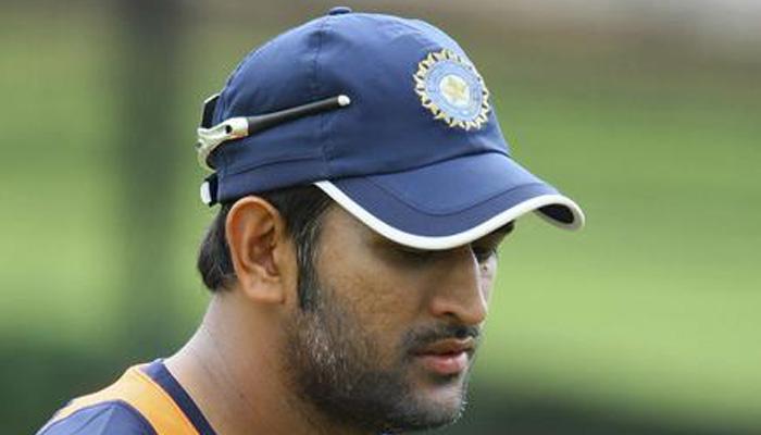 ऑस्ट्रेलिया में स्पिनरों के खराब प्रदर्शन से महेंद्र सिंह धोनी चिंतित