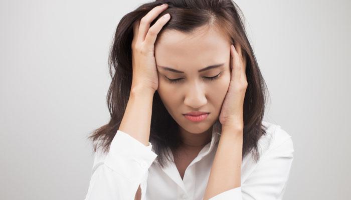 मिनटों में तनाव पर काबू पाने के 7 आसान टिप्स