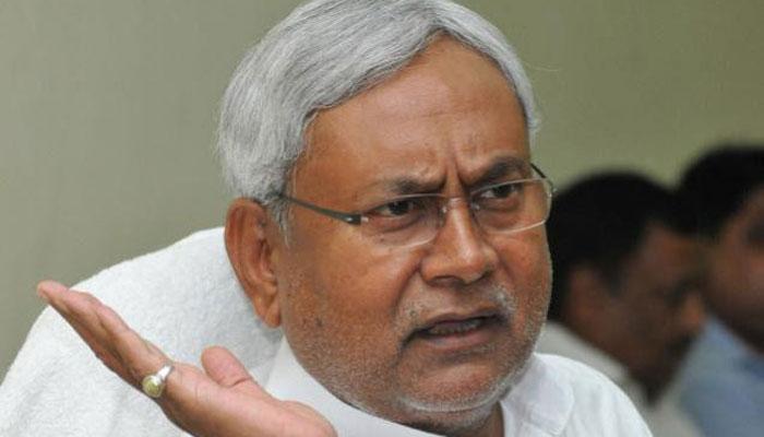 मुख्यमंत्री नीतीश कुमार की कार को इंडिगो ने मारी टक्कर