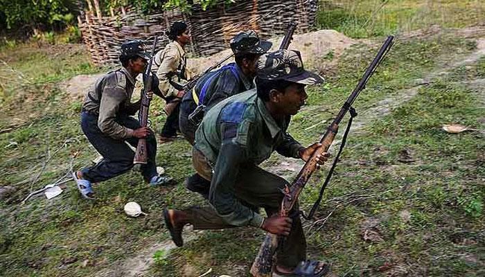 झारखंड में नक्सलियों ने किया आईईडी विस्फोट, 7 जवान की मौत