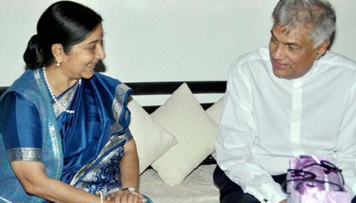 सुषमा ने श्रीलंकाई पीएम विक्रमसिंघे के साथ निवेश और सेज पर की वार्ता
