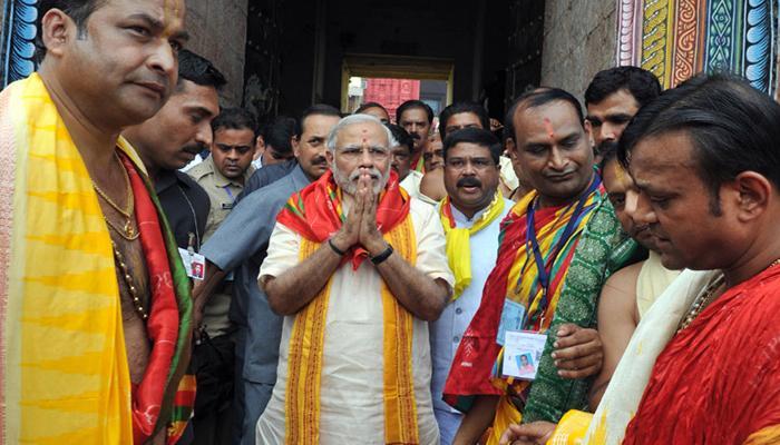प्रधानमंत्री मोदी ने पुरी मंदिर में भगवान जगन्नाथ के किए दर्शन