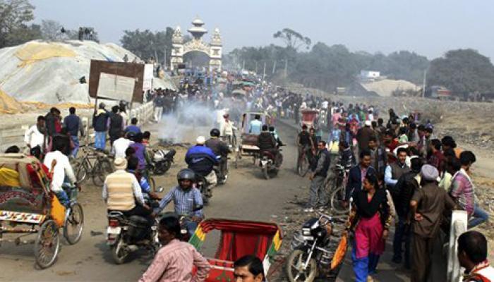 मधेसियों ने विरोध-प्रदर्शन वापस लिया, भारत-नेपाल सीमा की नाकेबंदी खत्म