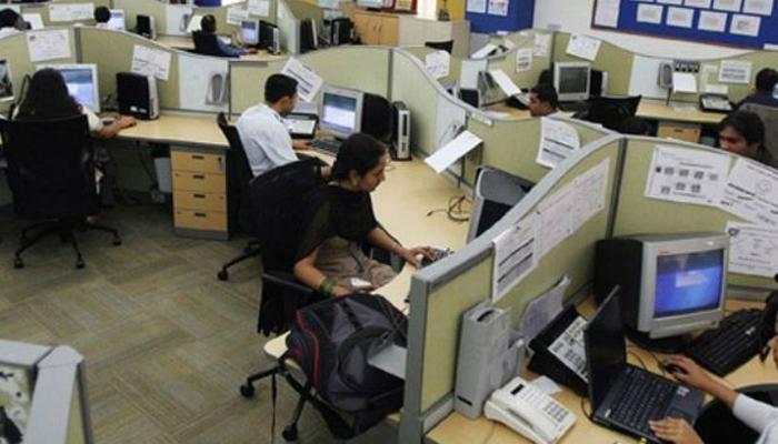'बैठकर समय बिताते हैं भारत में 38% प्रोफेसनल्स'