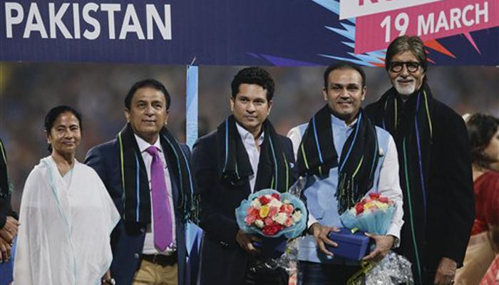 मैच से पहले ममता बनर्जी ने किया भारत-पाकिस्तान के पूर्व दिग्गज क्रिकेटरों का सम्मान