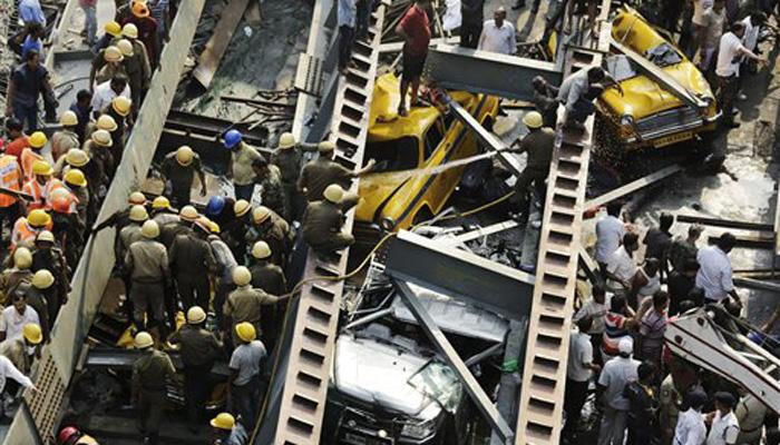 कोलकाता में निर्माणाधीन फ्लाईओवर हुआ धड़ाम, 18 लोगों की मौत, 60 से ज्यादा घायल, PM मोदी ने जताया शोक