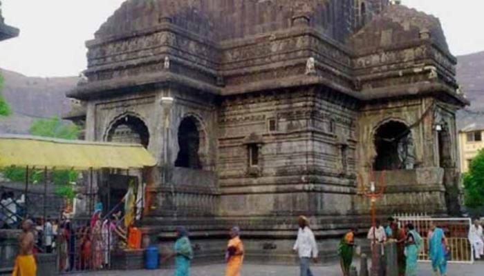 त्रयम्बकेश्वर मंदिर के गर्भगृह में पुरुषों के प्रवेश पर लगाया गया प्रतिबंध हटा