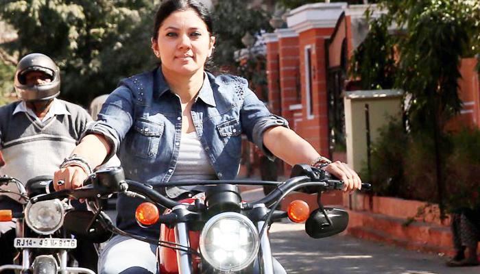 180 की रफ्तार से बाइक चलाने वाली भारत की पहली लेडी बाइकर वीनू पालीवाल की मौत