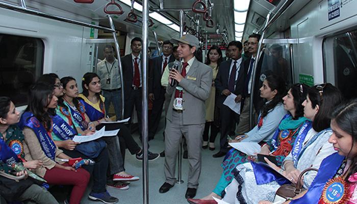 दिल्ली मेट्रो में अब यात्रियों को चेहरा ढंकने की अनुमति नहीं
