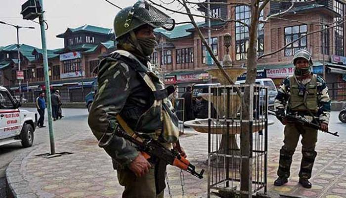 कश्मीर में तनाव बरकरार, झड़प में एक और युवक की मौत