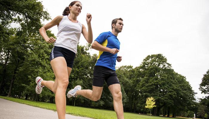 वजन कम करना चाहते हैं तो अलग-अलग गति से टहलें