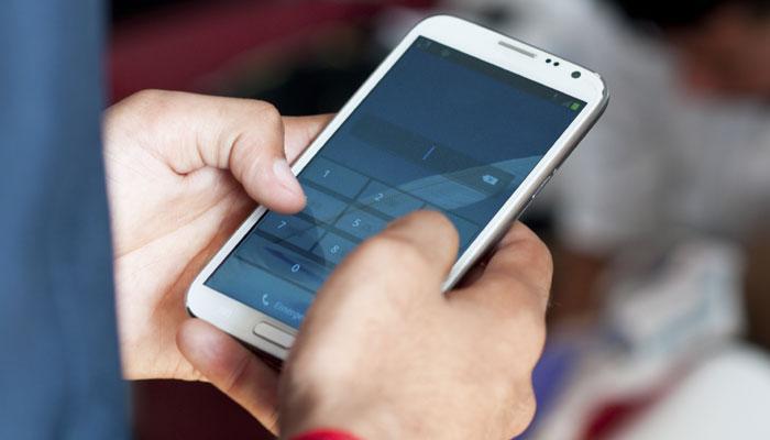 भारत का स्मार्टफोन बाजार 23 प्रतिशत बढा: रिपोर्ट