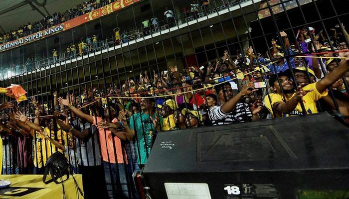 IPL में 'सचिन तेंडुलकर स्टैंड' के फर्जी टिकट बिके, बैरंग लौटे लोग