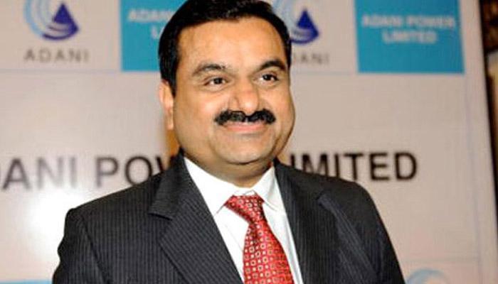 'सरकार के 72 हजार करोड़ रुपए दबाए बैठे हैं अडाणी'
