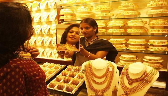 कमजोर मांग से 30000 रुपये से नीचे आया सोना