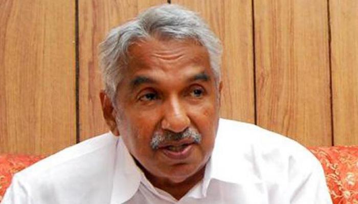 ओमन चांडी ने केरल के मुख्यमंत्री पद से दिया इस्तीफा