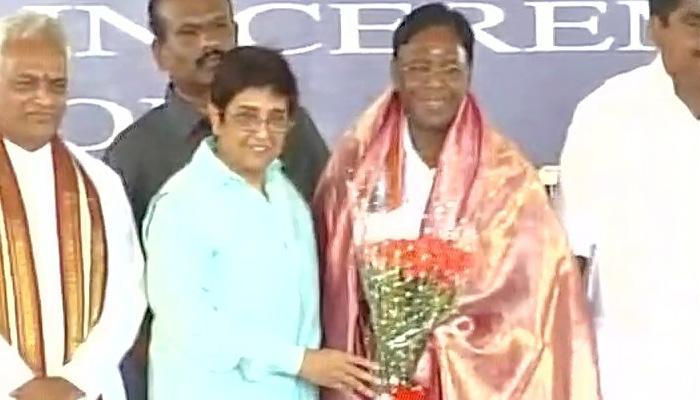 नारायणसामी ने पुडुचेरी के मुख्यमंत्री पद की शपथ ली, राज्य के दसवें CM बने
