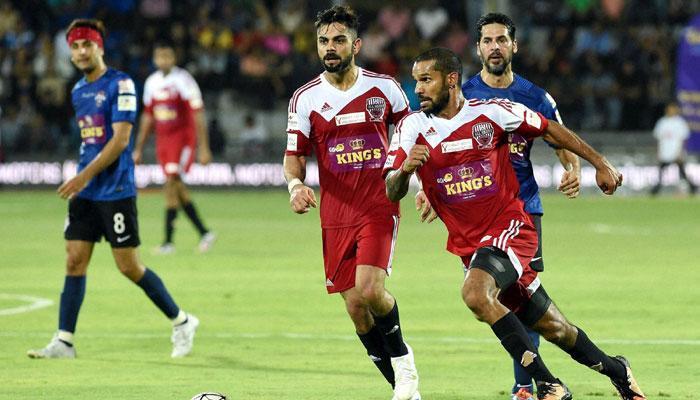 धोनी, युवराज, कोहली ने अब फुटबॉल के मैदान में भी दिखाए जौहर- देखें वीडियो