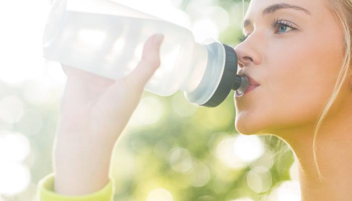 जानें, कब तक करें अपनी पानी की बोतल का पुनः उपयोग