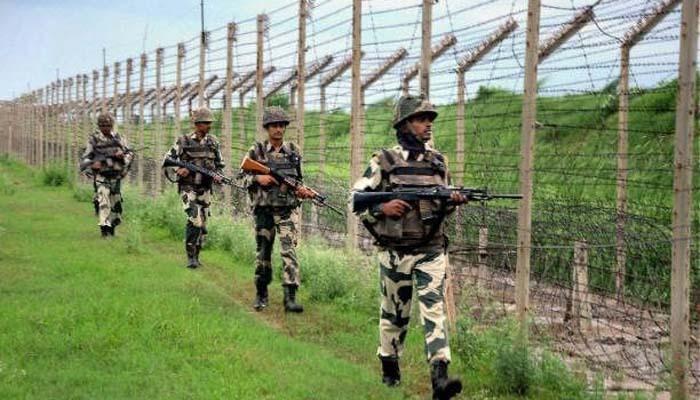 पंजाब के फाजिल्का में भारत-पाक सीमा पर BSF के जवानों ने दो पाकिस्तानी तस्कर को मार गिराया, एक को पकड़ा