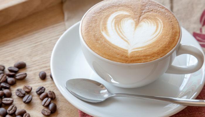 जानिए किस तापमान पर कॉफी पीना सेहत के लिए फायदेमंद होता है?
