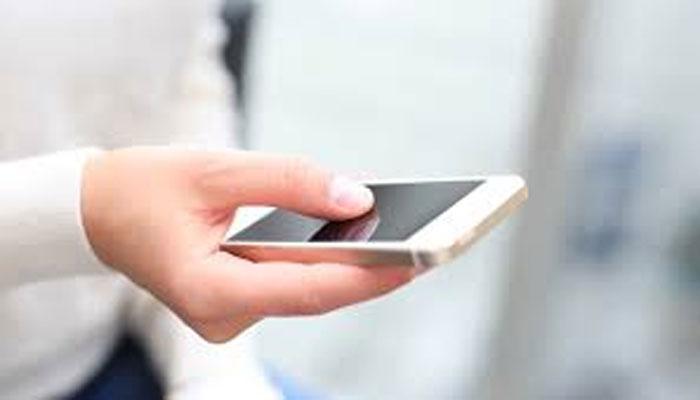 इन 5 TIPS को आजमाकर बारिश से बचाएं अपना 'स्मार्टफोन'