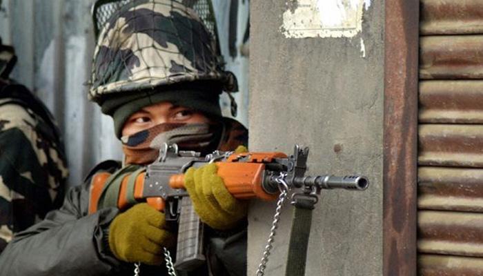 उत्तर कश्मीर के कुपवाड़ा जिले में दो मुठभेड़ों में छह आतंकी ढेर