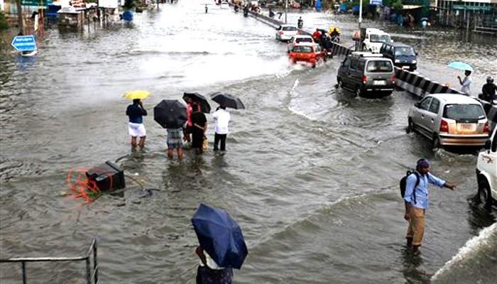 मुंबई में मूसलाधार बारिश, 48 घंटों में और बारिश होने का अनुमान