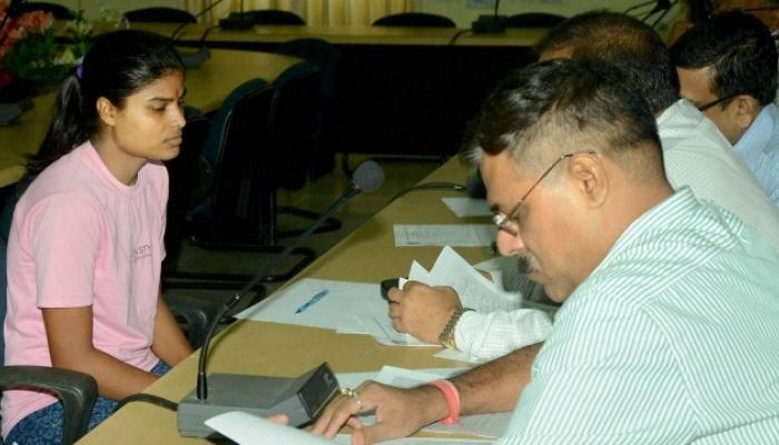 बिहार बोर्ड की आर्ट्स टॉपर रूबी राय ने कुछ यूं लिखा 'तुलसीदास जी' का निबंध