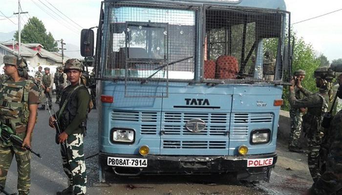 पंपोर में आतंकवादियों को मारने को लेकर सेना और सीआरपीएफ में विवाद