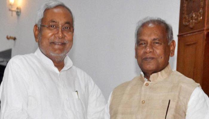 लालू की इफ्तार पार्टी में शामिल हुए नीतीश कुमार और जीतनराम मांझी, बैठे आस-पास
