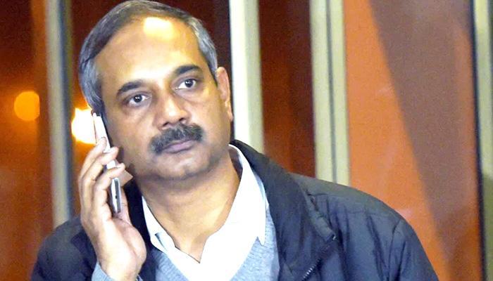 CBI ने दिल्ली के मुख्यमंत्री अरविंद केजरीवाल के प्रधान सचिव राजेंद्र कुमार को 50 करोड़ के घोटाले में गिरफ्तार किया