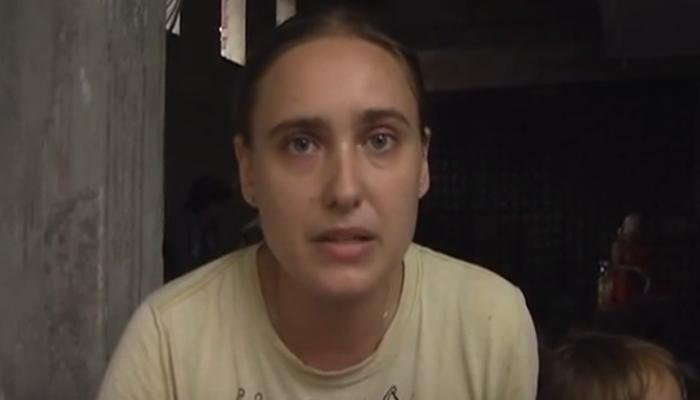 आगरा : जायदाद के लिए सास के खिलाफ धरने पर बैठी रूसी 'बहु', सुषमा ने अखिलेश को किया ट्वीट