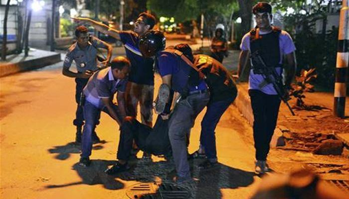 ढाका आतंकी हमले के संदिग्ध आतंकवादियों को पनाह देने के मामले में एक प्रोफेसर, दो अन्य गिरफ्तार