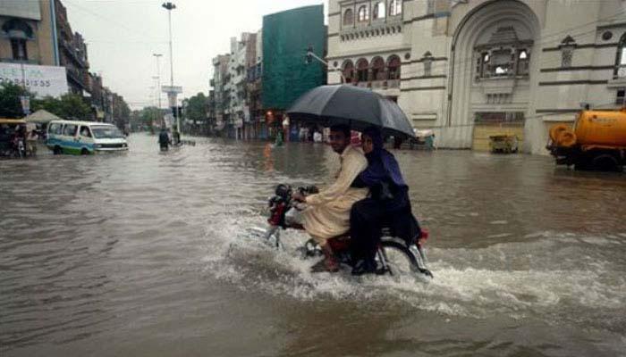 मानसून ने गति पकड़ी : बारिश से संबंधि घटनाओं में 21 की मौत