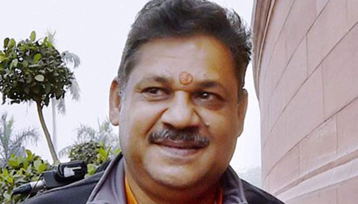 सिद्धू के भाजपा छोड़ने के बाद अब कीर्ति आजाद की पत्नी AAP में होंगी शामिल?