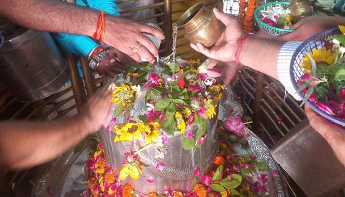 भगवान शंकर को समर्पित सावन मास का प्रारंभ, शिवालयों में उमड़े श्रद्धालु