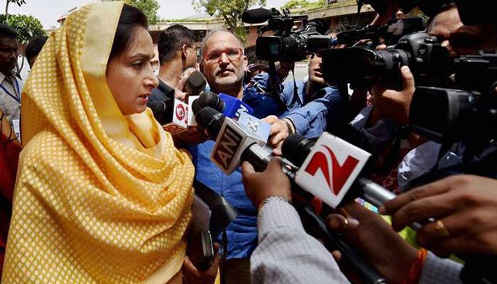 जयराम और रेणुका के खिलाफ कड़ी कार्रवाई चाहती हैं हरसिमरत कौर