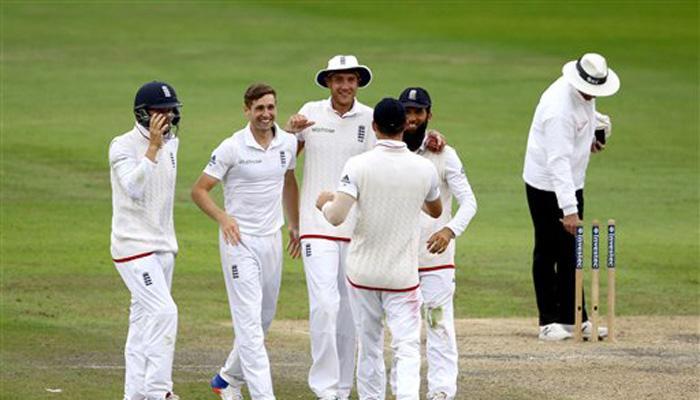 टेस्ट: अंग्रेजों ने पाक से किया हिसाब बराबर, 330 रनों से रौंदा