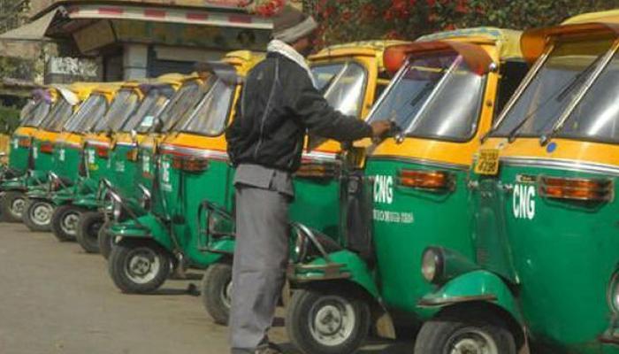 दिल्ली में हड़ताल पर ऑटो-टैक्सी, हजारों यात्रियों को हुई परेशानी