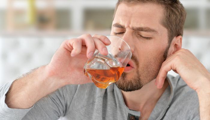 शराब पीने से शरीर को होते है ये छह नुकसान