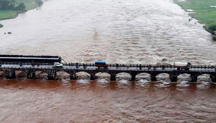 महाराष्ट्र के महाड में पुल गिरने की घटना की न्यायिक जांच होगी; 9 लोगों की मौत